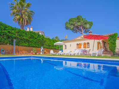 Photo for Club Villamar - Nice quiet villa close to the village of Calonge. Garden with pool, grass and pla...