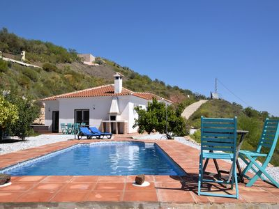Photo for Detached holiday home with private swimming pool and jacuzzi