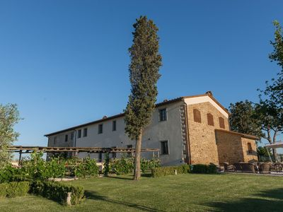 Photo for Farmhouse between culture and nature between Pisa and Florence with private pool