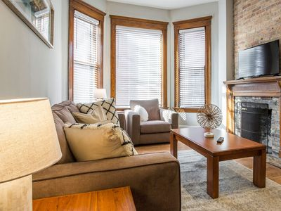 Photo for Cozy DePaul 2BDR | Near Train, University and CUBS