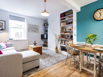 Photo for Lovely Portobello Apartment near Westbourne Park - BKT