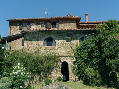 Photo for Cosy apartment in the well known Chianti area, with swimming pool and terrace.