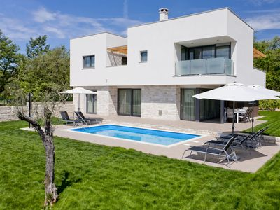 Photo for Luxurious Villa Novigrad with Swimming Pool