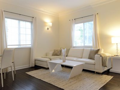 Photo for Enjoy Beverly Hills in this well appointed 2 bedroom apartment!