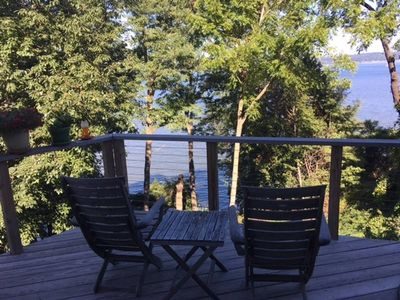 You'll feel like you're in a treehouse on the upper deck. Amazing river views!