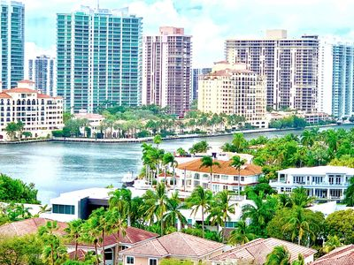 Photo for 1BR Apartment Vacation Rental in Sunny Isles Beach, Florida
