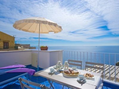 Photo for One bedroom Apartment, sleeps 3 in Positano with Air Con and WiFi