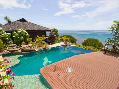 Beautiful Oceanfront bungalow with Infinity Pool!