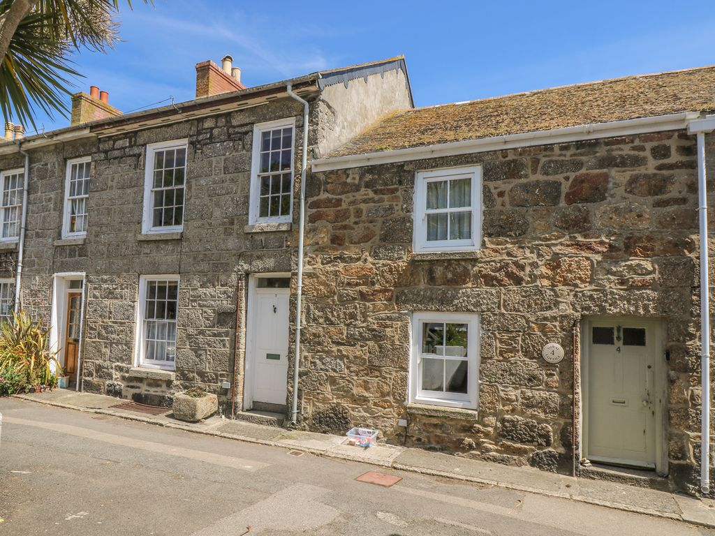 mural cottage family friendly in mousehole ref 976546 mousehole rh homeaway co uk