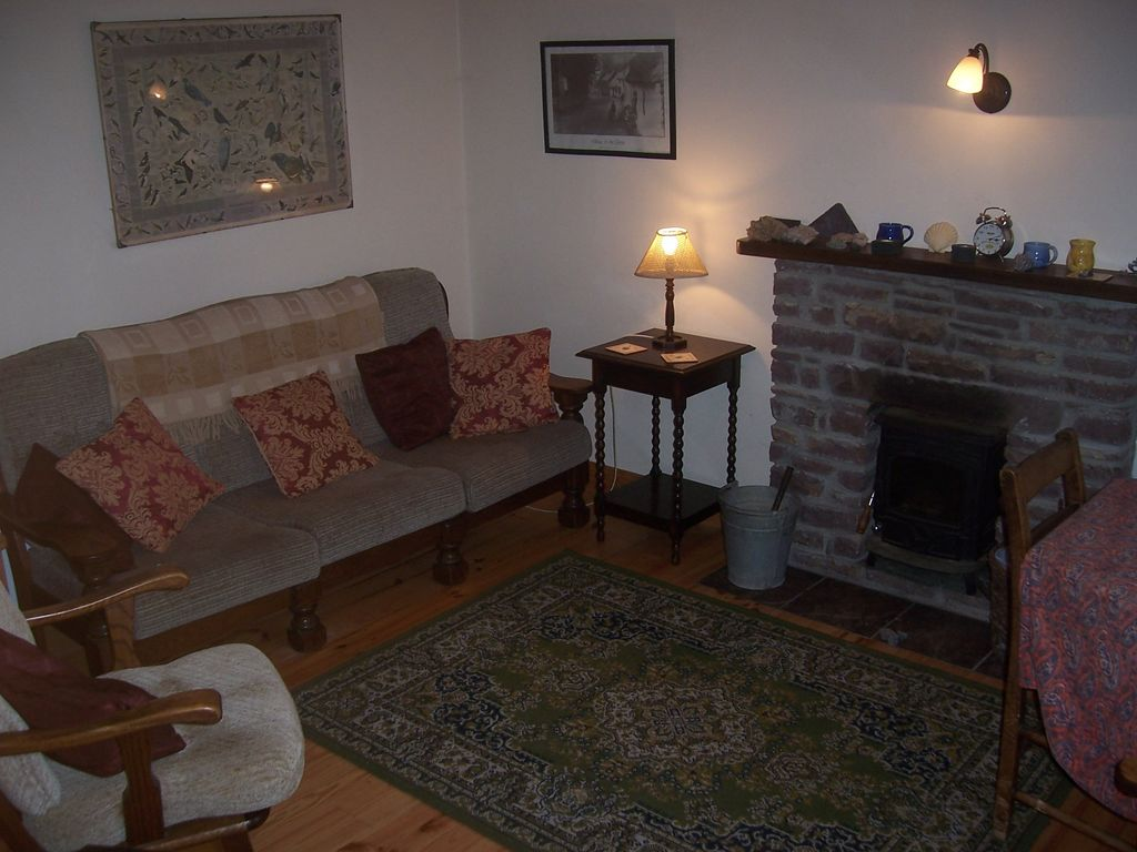 traditional stone cottage in beautiful homeaway county kerry