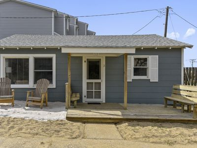 Photo for 2 bdrm ocean-side cottage. Rare & unique! Central location & easy beach access!