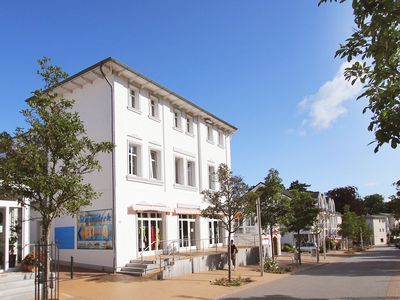 Photo for spacious, bright apartment near the beach for 4 people, swimming pool and sauna for free
