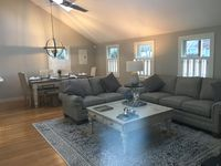 A truly wonderful, super comfortable and well equipped Cape Cod beauty !!!