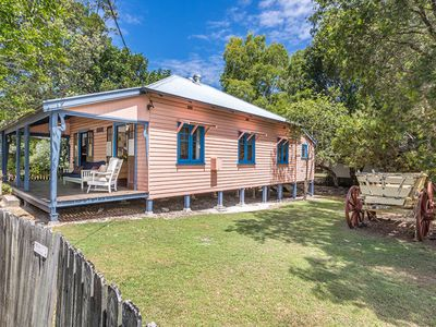 Photo for Exeter beach cottage in the heart of Brunswick Heads