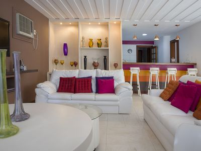 Photo for Beautiful house with five suites, in condominium facing the sea
