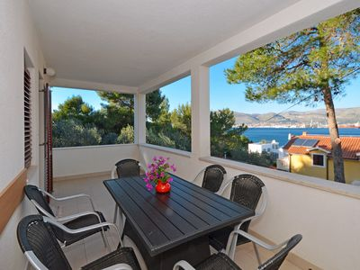 Photo for GORDANA 1 apartment for 7 persons, only 90m from a pebble beach