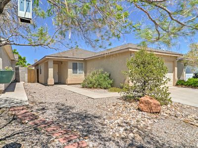 Albuquerque House w/Backyard - 3 Mi. to Downtown!