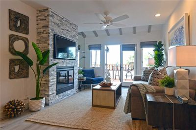 H890-Living-Room-with-Fireplace