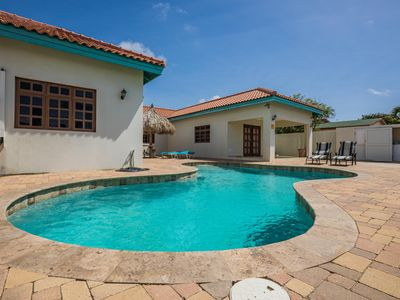 Photo for Beautiful house with a pool in a quiet neighborhood.