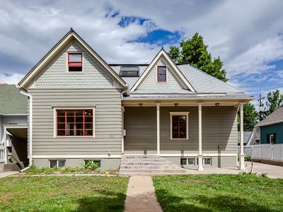 Photo for 2 blocks to Pearl St!  Walk to the Best of Boulder (pet friendly)