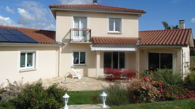 Photo for Spacious halfway house between Lyon and the Rhône valley (Condrieu)