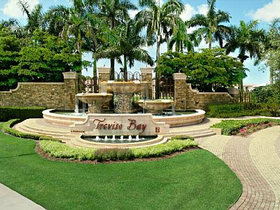 Photo for Treviso Bay Golf Condo  w/ 2Bed+2 Bath Top floor with water view. Sleeps 6.