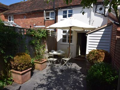 Photo for 1BR Cottage Vacation Rental in Tenterden