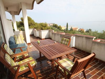 Photo for Three bedroom apartment with terrace and sea view Kali (Ugljan)
