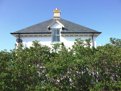 Photo for SPECIAL OFFERS 2-25 MAY Fistral Beach Georgian lodge house & South-facing garden