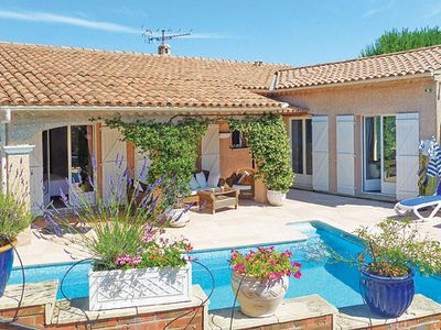 Photo for Tastefully-decorated villa w/ pool, Wi-Fi + communal tennis courts
