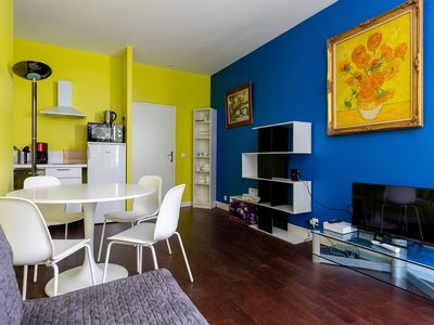 Photo for Cozy apartment near the Eiffel Tower and Champ de Mars