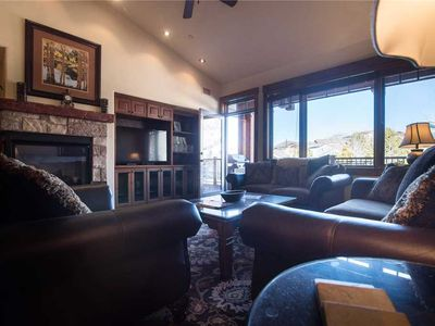 Photo for Top Floor, Beautifully Decorated! Walking distance to all Outdoor Activities! EL5307