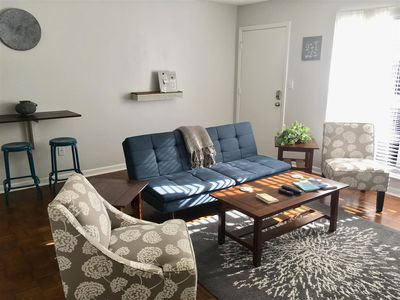 Minutes to Downtown 2br Apartment - West Ashley