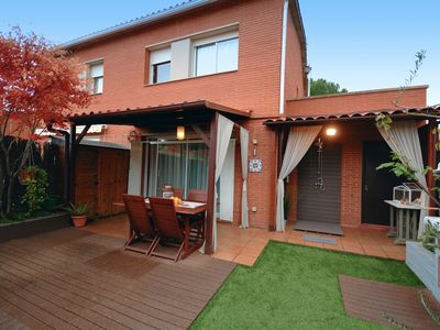 Photo for CHARMING HOUSE, VERY CLOSE TO BARCELONA AND THE BEACH.