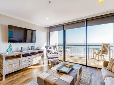 Oceanview condo w/shared pools, hot tubs, sauna, and two balconies