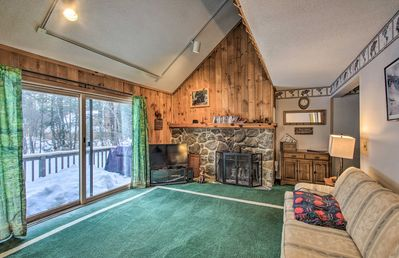 Escape to the White Mountains at this cozy vacation rental home!