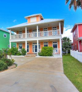 Photo for Peachy Pelican: Boardwalk, Private Pool Entrance, Pet, Free Golf Cart