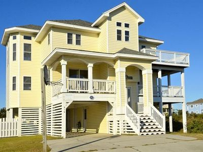 Photo for 600 ft to beach access! Private heated pool, hot tub, pets welcome!