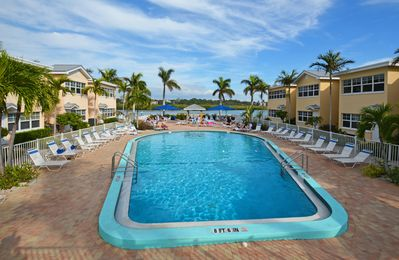 Photo for Lush Tropical Resort Getaway on Florida's Gulf Coast