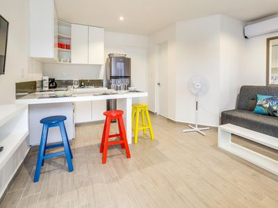 Photo for Family Friendly, Rooftop, Air Conditioning, Free Wifi, Secure Building, New (#2)