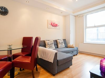 Photo for Stylish one-bedroom King's Cross apartment in zone , sleeps 4!!