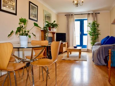 Photo for Charming 2 Bedroom Dublin City Centre Apartment