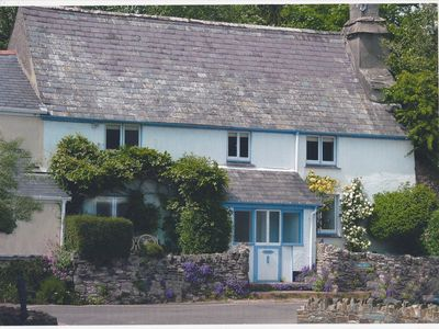 Photo for Delighful family owned, grade II listed cottage, 3 bedrooms - sleeps 7