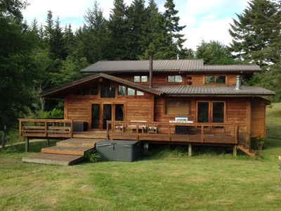 Photo for Family Cabin With Hot Tub Close to Moran State Park,Hiking Trails,Cascade Lake