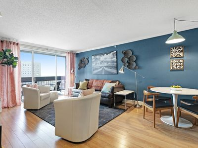 Photo for Spacious high-rise apartment w/ shared pool, gym, furnished patio, sports courts