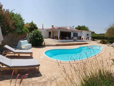 Photo for Detached villa, sleeps 6, free Wifi, located near Quinta do Lago Golf Resort