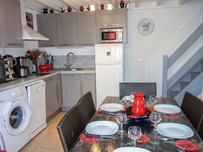 Photo for One bedroom Villa, sleeps 4 with Air Con and Walk to Beach & Shops