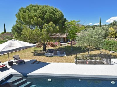 Photo for Luxury air-conditioned villa with guesthouse, heated swimming pool, view of Callian