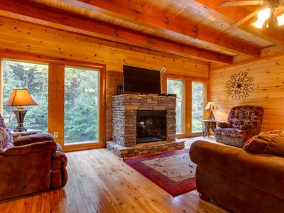 Photo for Mountain Cinema Lodge| Mountain Views| Game Loft| Theater Room| Hot Tub| Close to Pigeon Forge| WiFi