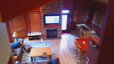 Jack Pine Lodge, Panorama Vacation Rental great room, dining room & open kitchen